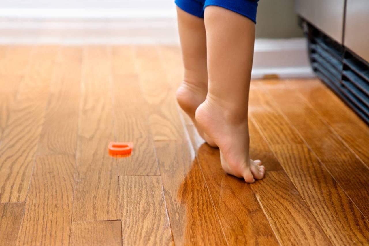 Ребенок ходит на носочках причины 3 года