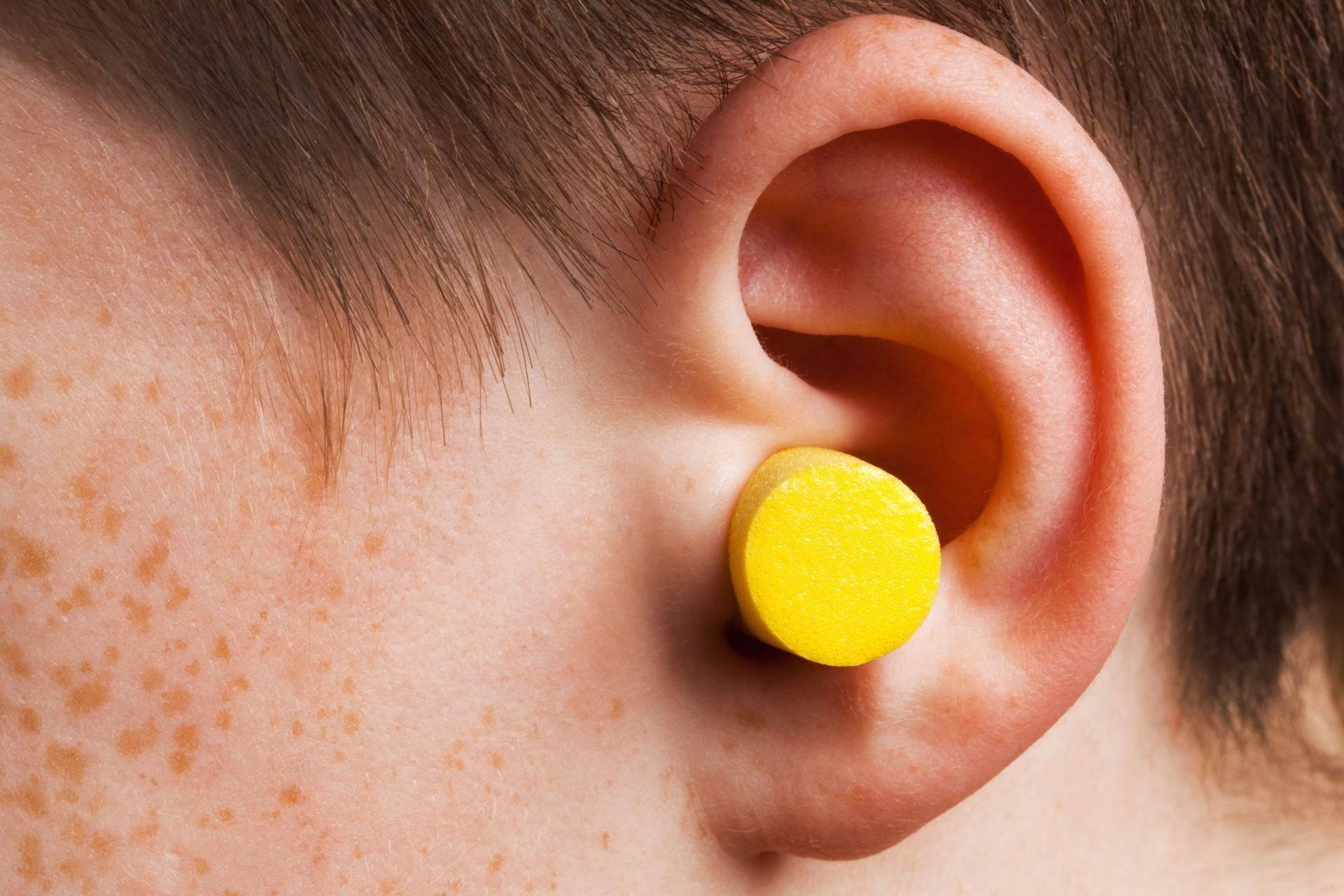 Серные пробки в ушах у детей как удалить - педиатор