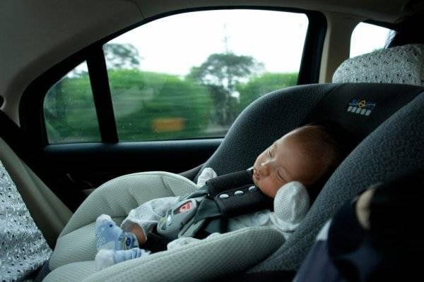 Можно ли возить ребенка в автокресле на переднем сиденье?