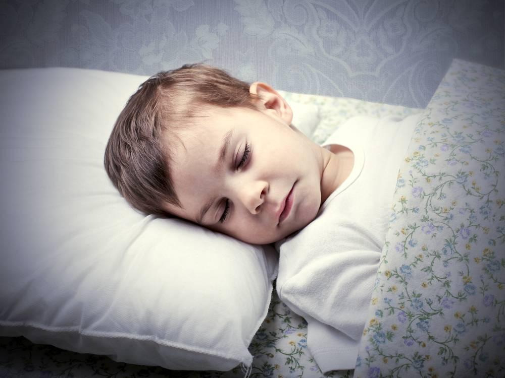"""""""ребенок скрипит зубами во сне — виноваты ли глисты и, что делать?"""""""