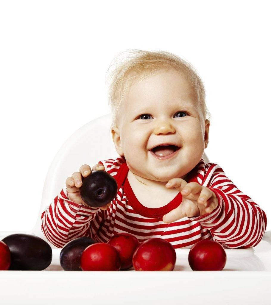 Что делать, если ребенок случайно проглотил косточку от фрукта или ягоды: первая помощь малышу - врач 24/7