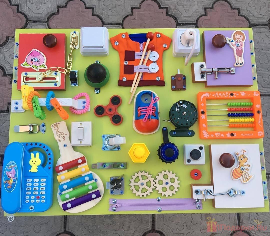 Что подарить мальчику на 2 года? какую игрушку можно подарить ребенку? список подарков для крестника и племянника