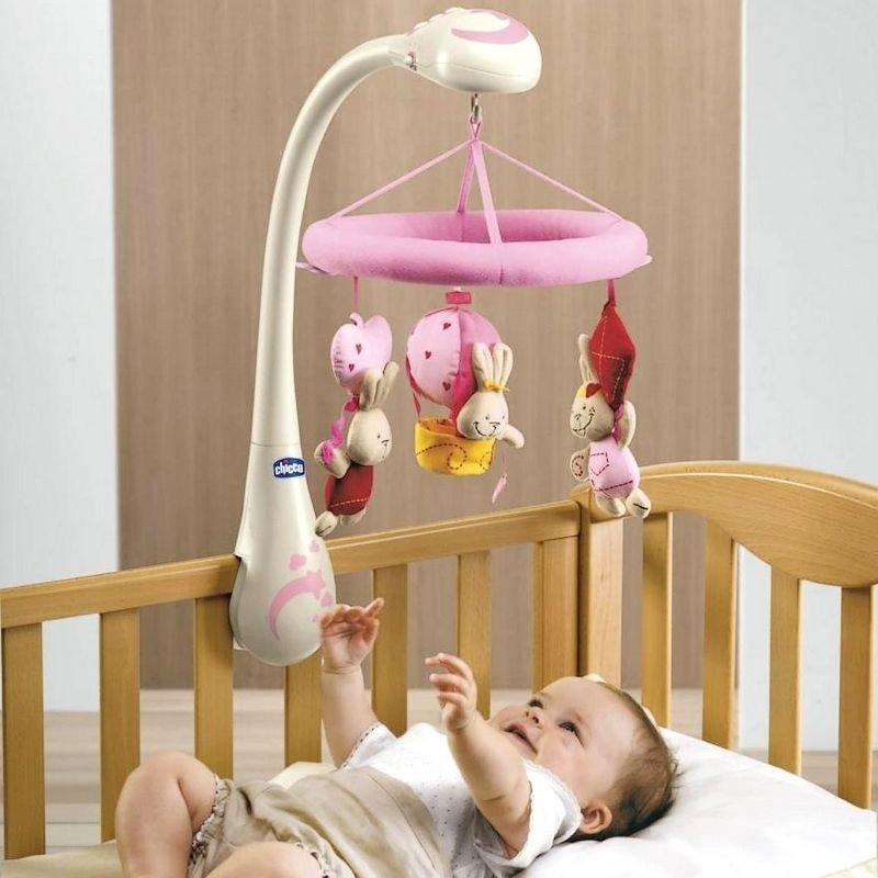 Как и какой выбрать мобиль на кроватку для новорожденных: полезные советы и рекомендации
