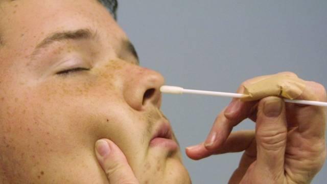 Золотистый стафилококк в горле у ребёнка – всегда проблема, но не всегда болезнь