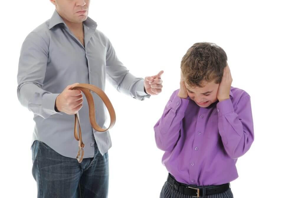 Можно и нужно ли наказывать ребенка физически?