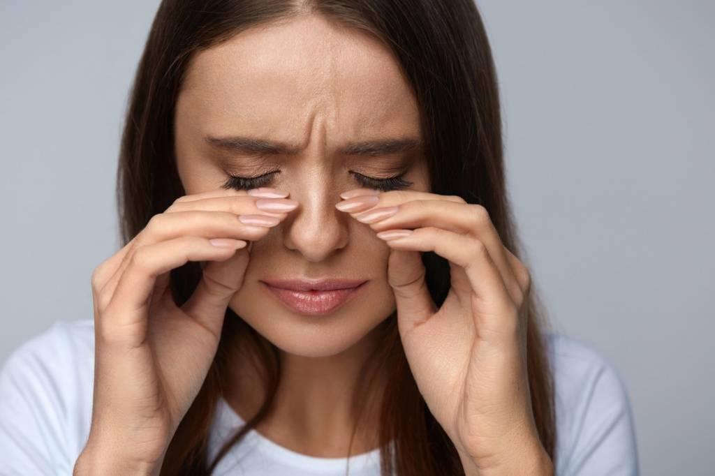 У ребенка болят глаза — каковы причины жалоб, что это может быть и что делать? - wikidochelp.ru
