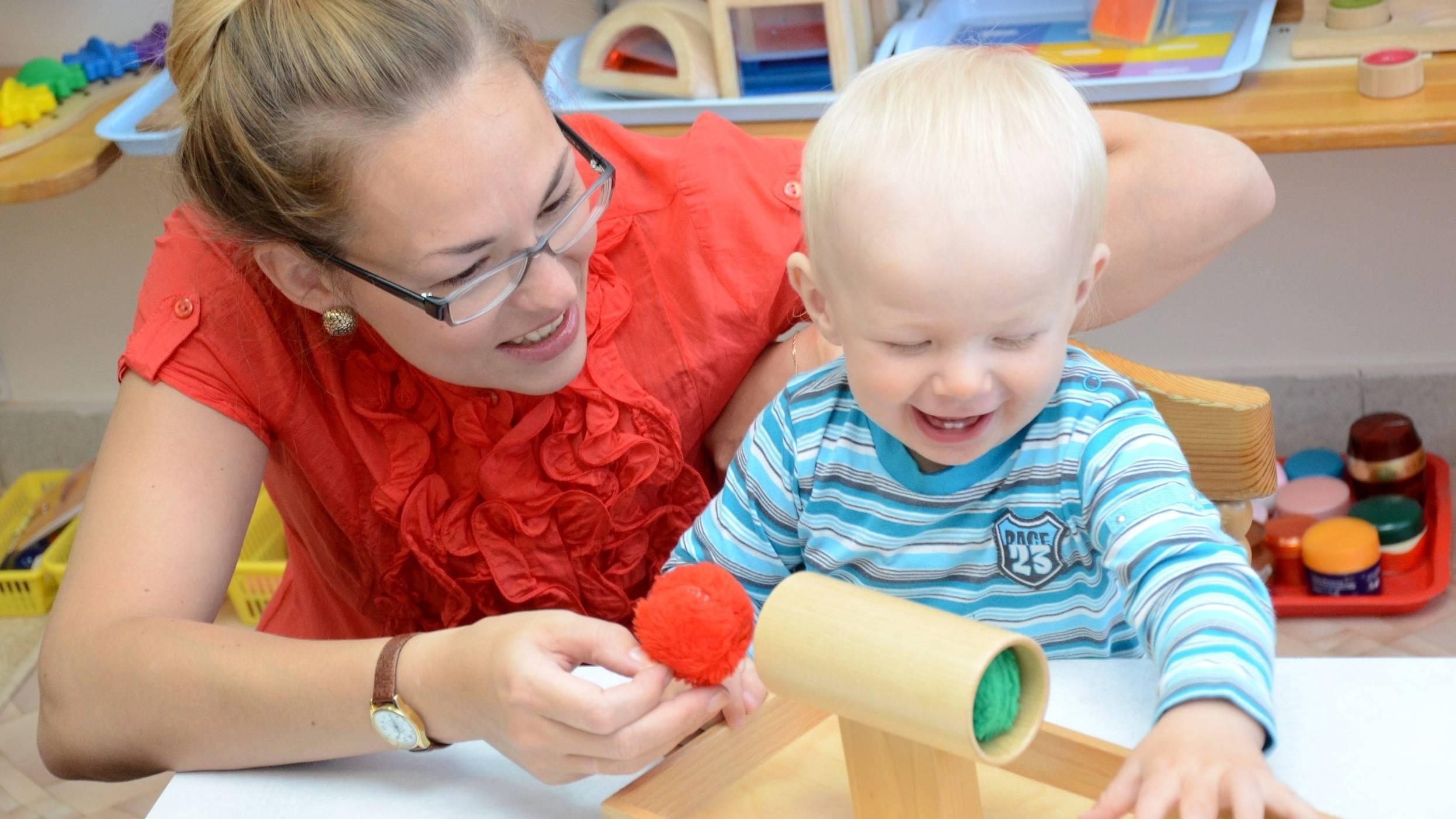 Как развивать ребенка физически (упражнения)