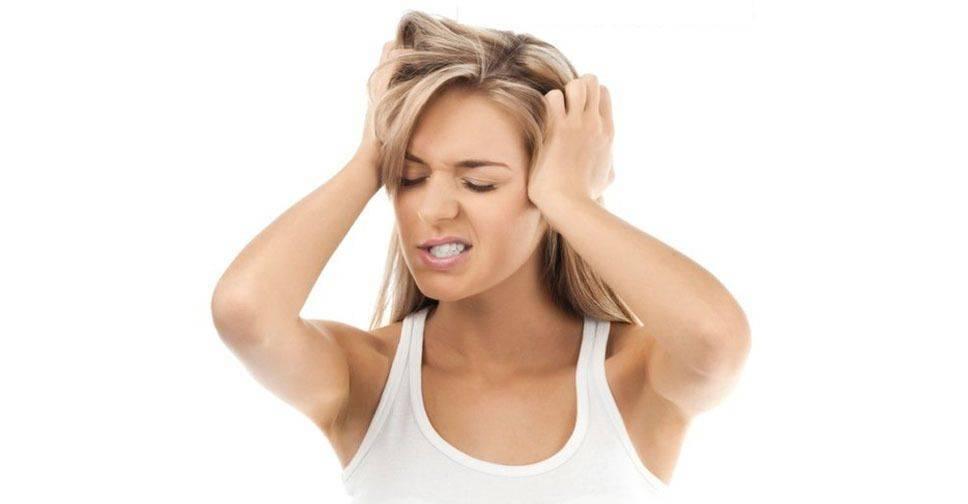 Перхоть. причины, симптомы и лечение патологии