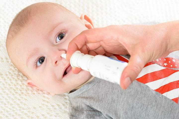Почему груднички хрюкают носом: причины и методы устранения неприятного симптома