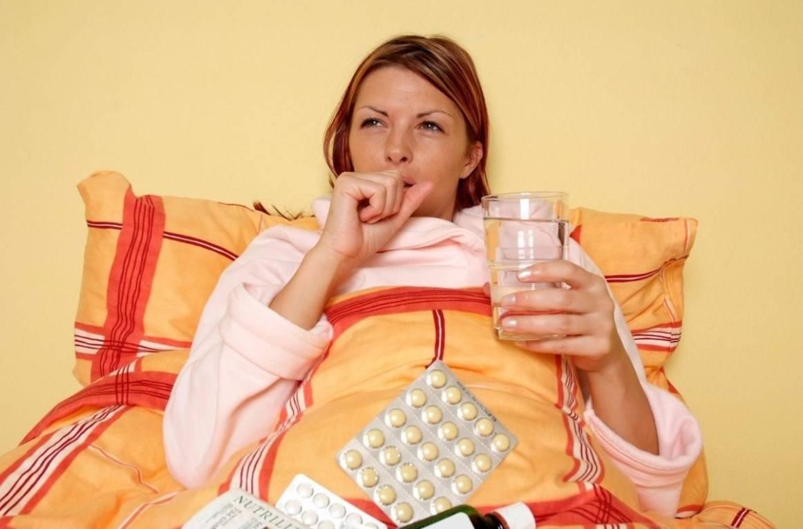 Что можно пить беременным при простуде: безопасные препараты и народные средства