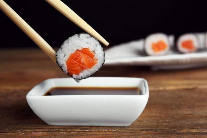 Можно ли суши кормящей маме? | уроки для мам