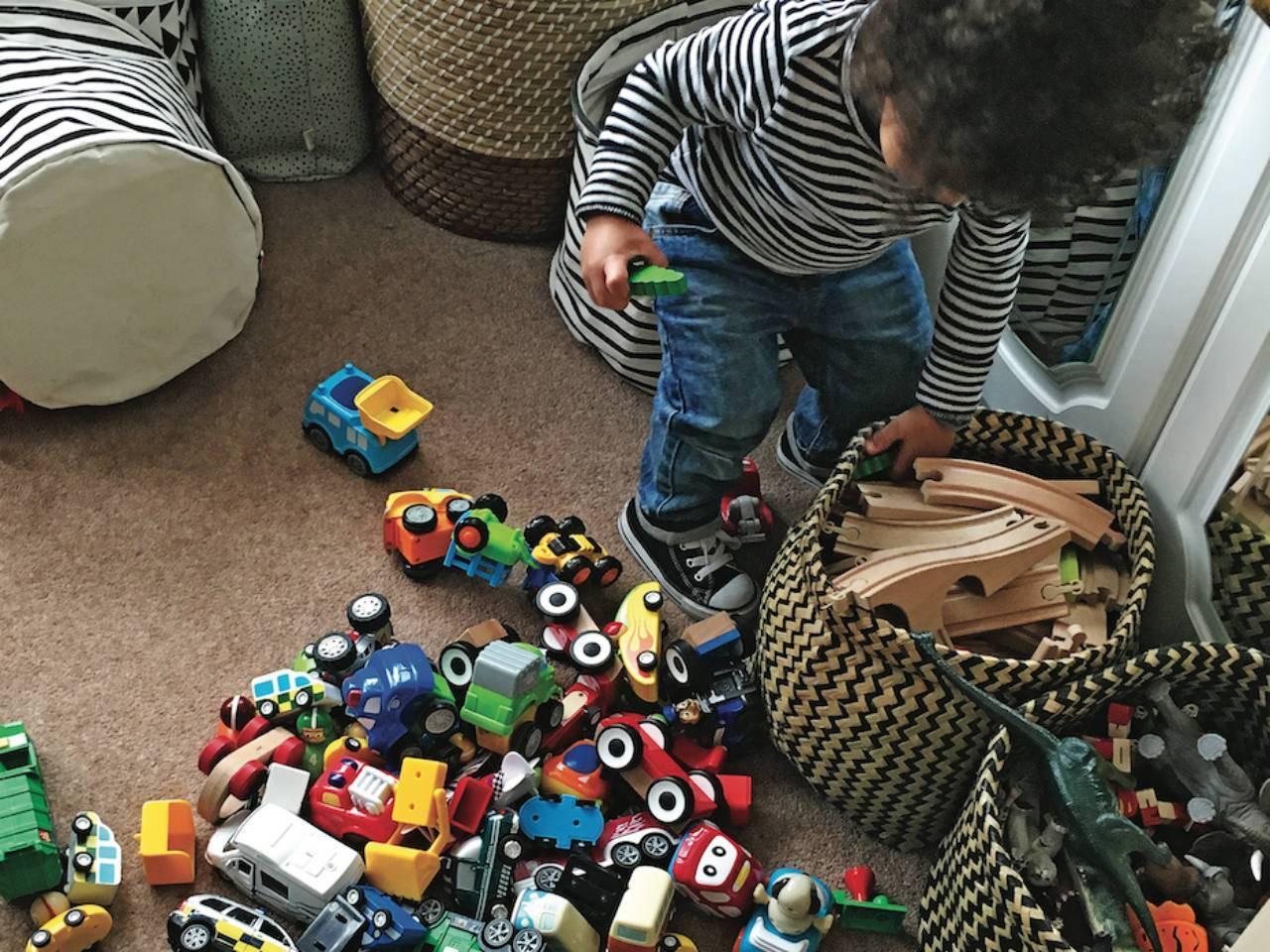 Как научить ребенка играть самостоятельно – на бэби.ру!
