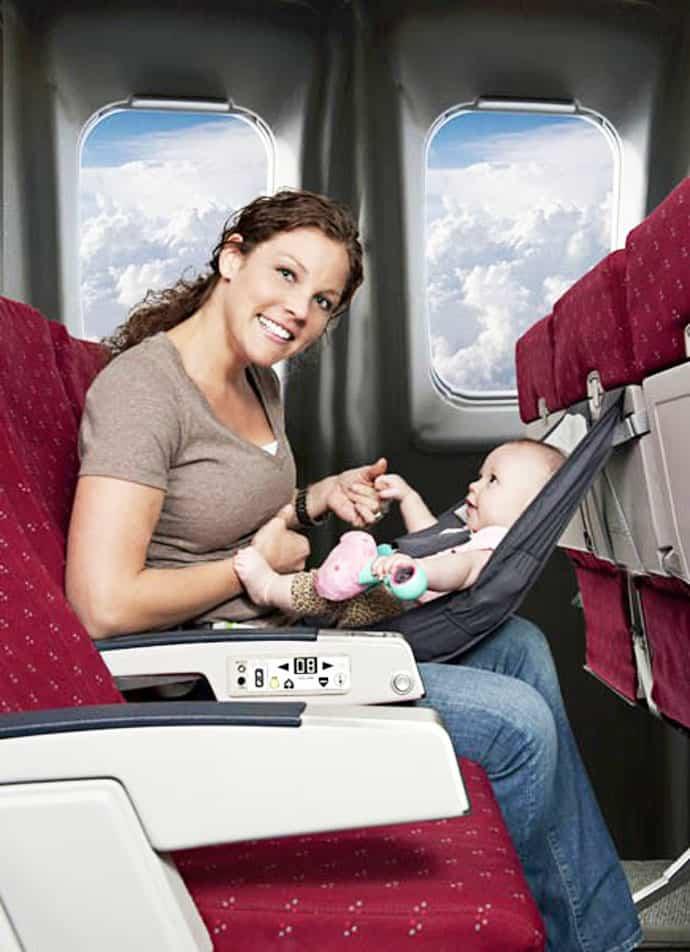 Один в самолёте: перелёт ребёнка без родителей