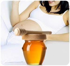 Мед во время беременности: лечение и можно ли есть