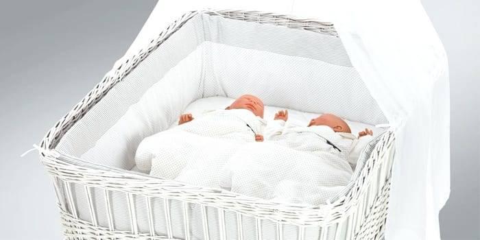 Детская кровать для новорожденных, какие встречаются формы и размеры