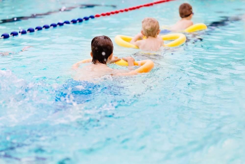 Как правильно научиться плавать, описание основных техник, видео