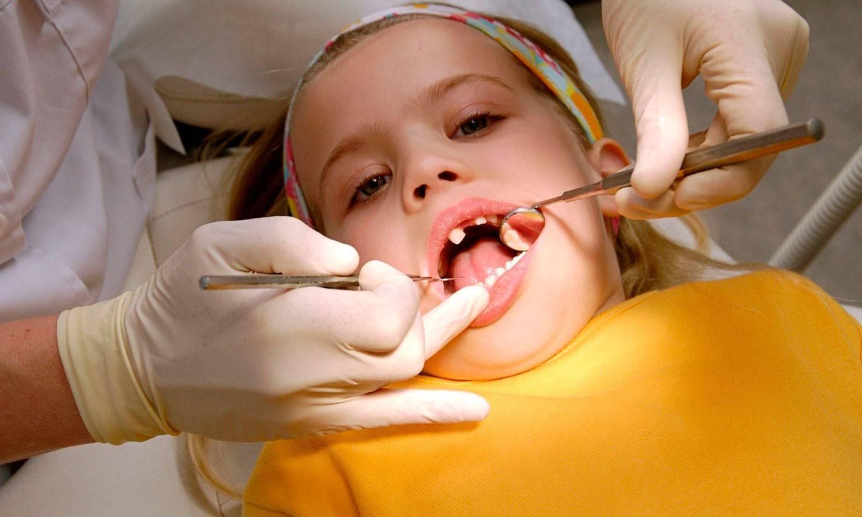 Удаление молочных зубов у ребенка дома без боли