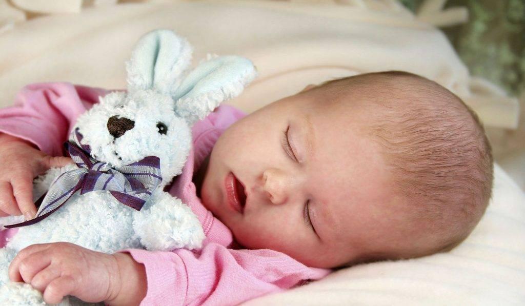 Ребенок храпит во сне, соплей нет: как лечить
