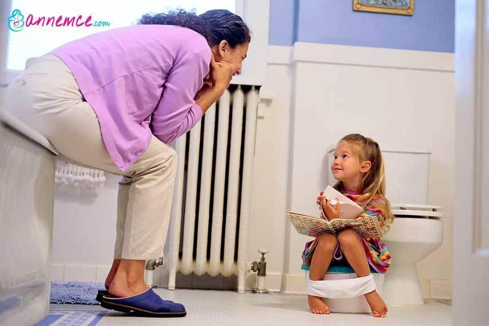 Ребенок боится какать (ходить в туалет по-большому): что делать? | психология и воспитание детей | vpolozhenii.com