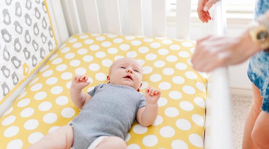Матрас в детскую кроватку - какой лучше выбрать?