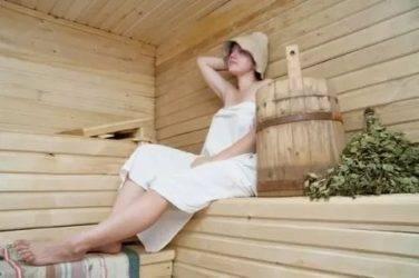 Можно ли кормящей маме ходить в баню и париться в сауне при грудном вскармливании