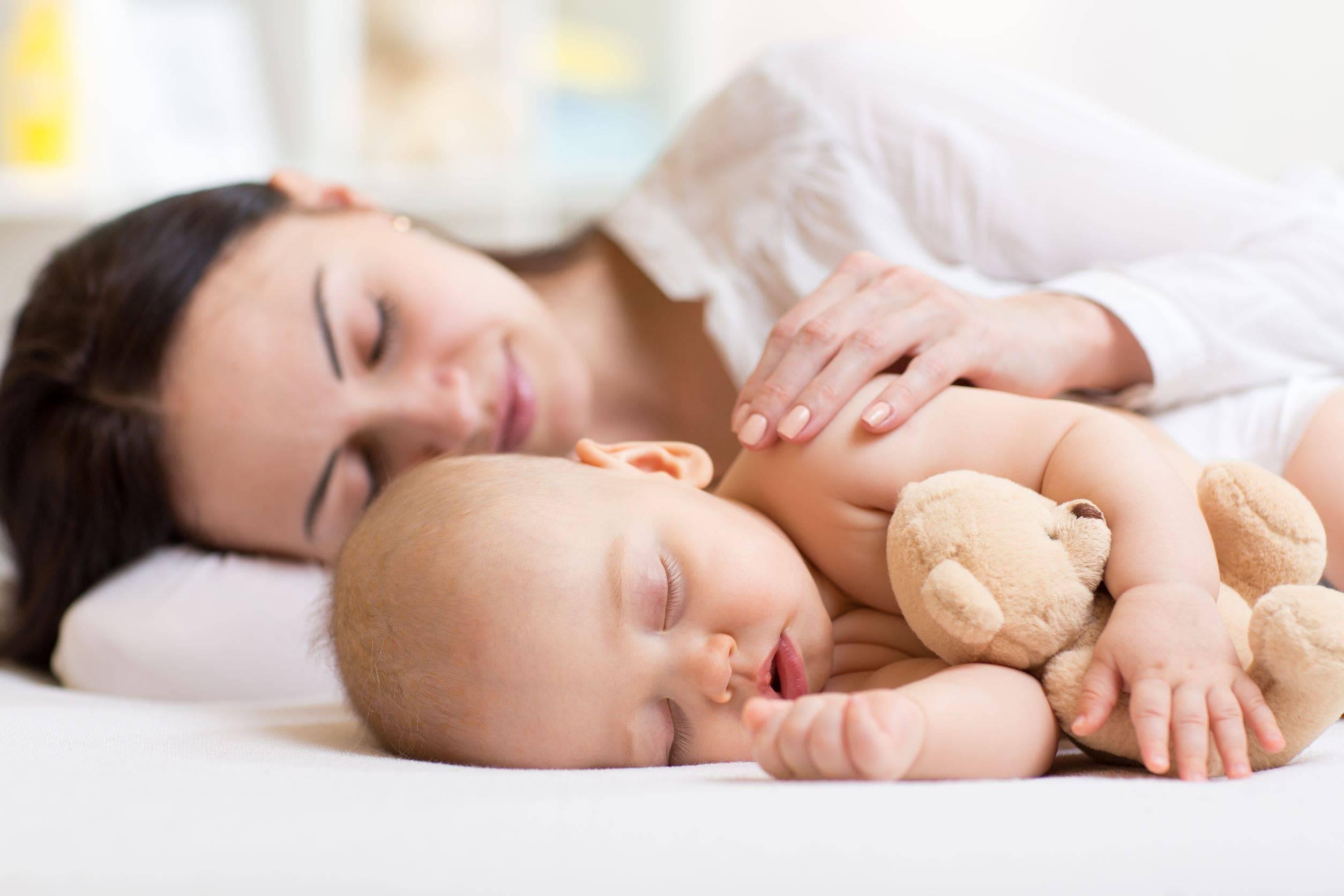 Совместный сон с ребенком: за и против, советы молодым родителям