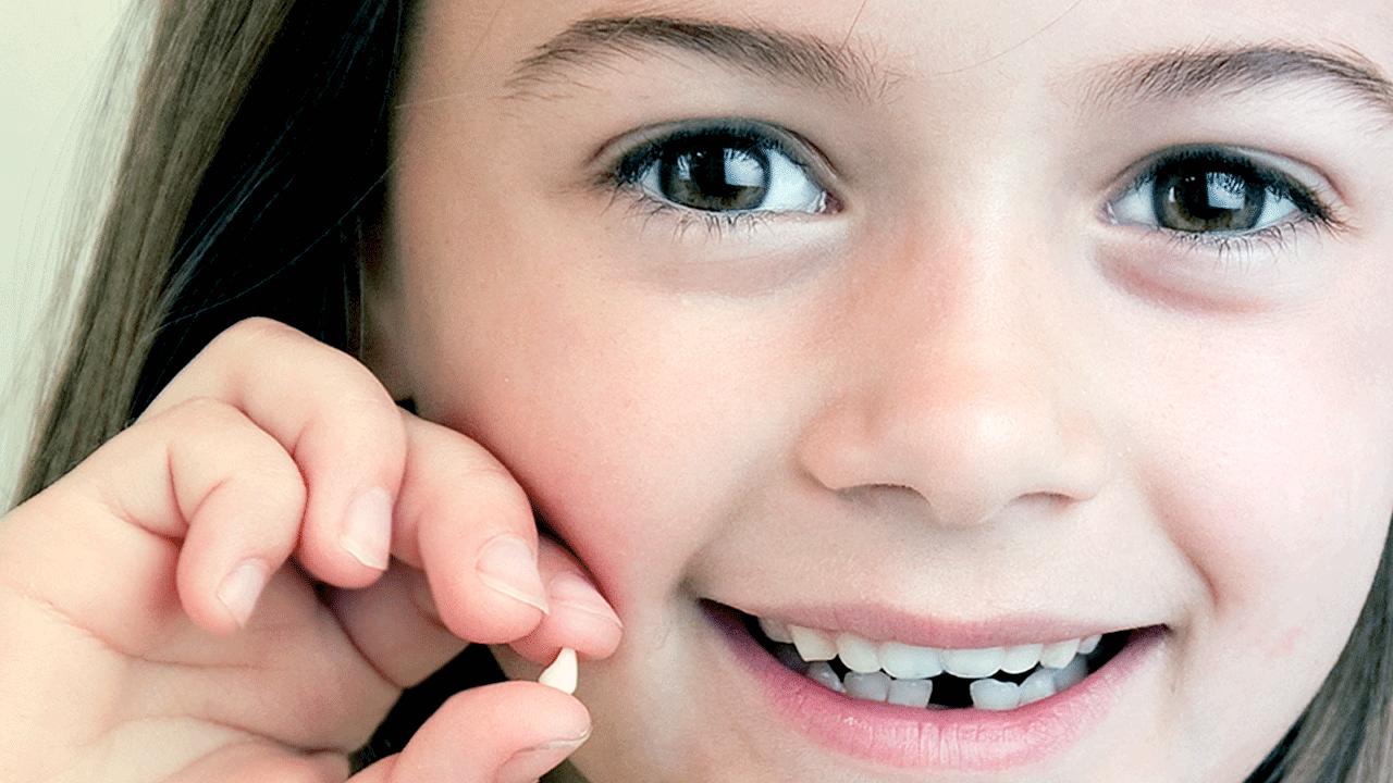 По какой причине удаляют молочные зубы. показания к удалению молочного зуба ребенку: больно ли это и будут ли последствия? показания к удалению молочных зубов у детей и последствия, больно ли вырывать