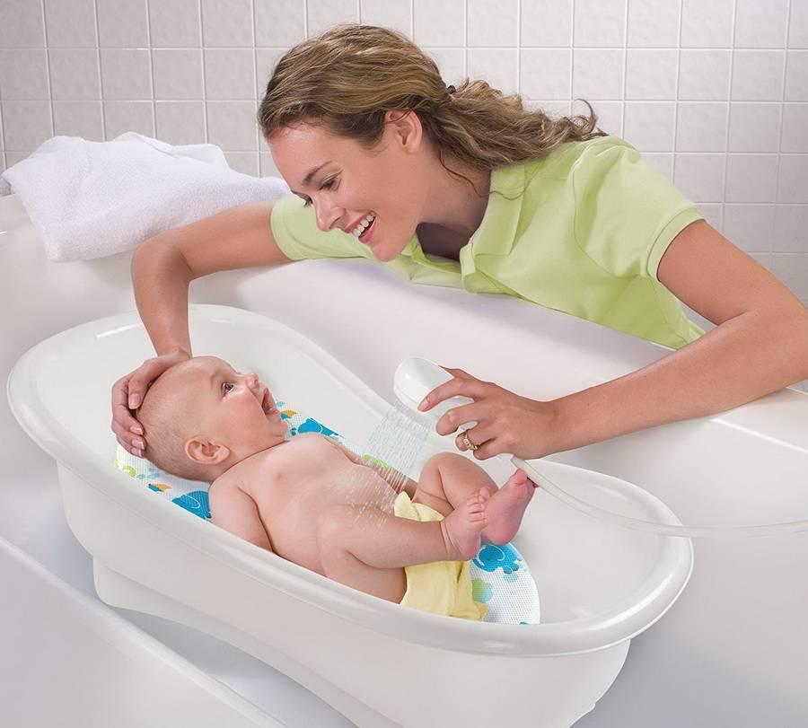 Как купать новорожденного ребенка первый раз дома