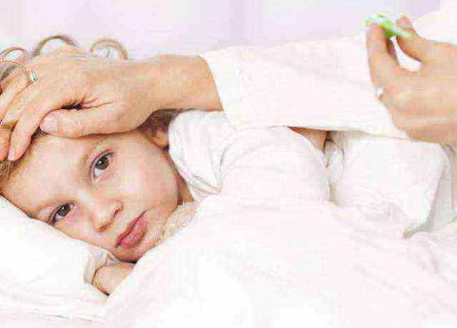 Повышенная температура во время стоматита