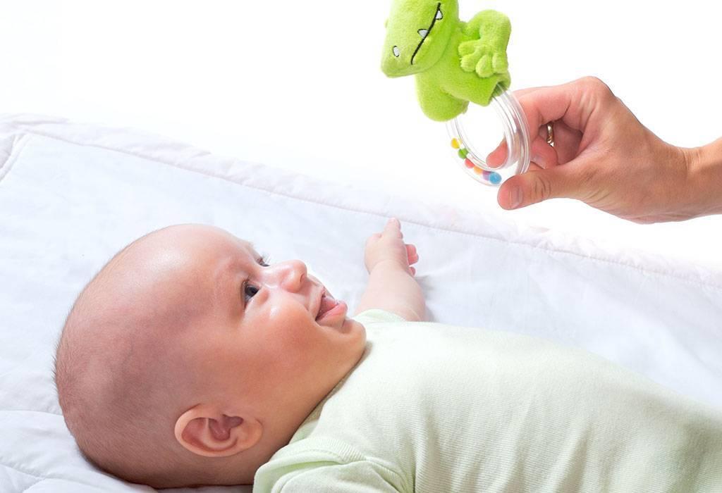 Все о слухе новорожденных: когда дети начинают слышать и реагировать на звуки