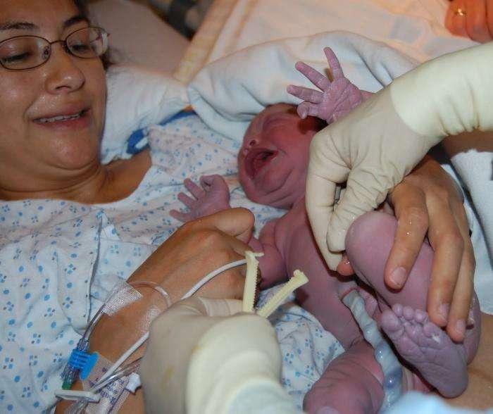 Самые маленькие: особенности развития недоношенных детей