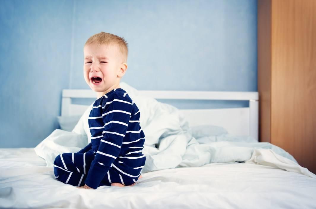 Что делать, если ребенок просыпается по ночам от страха