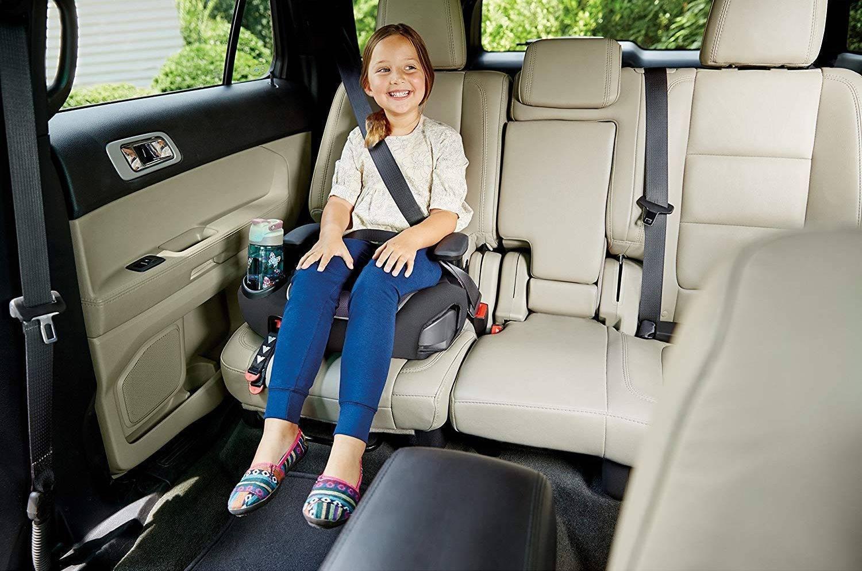 Бустер для детей в машину, с какого возраста можно использовать, как выбрать и крепить + фото и видео