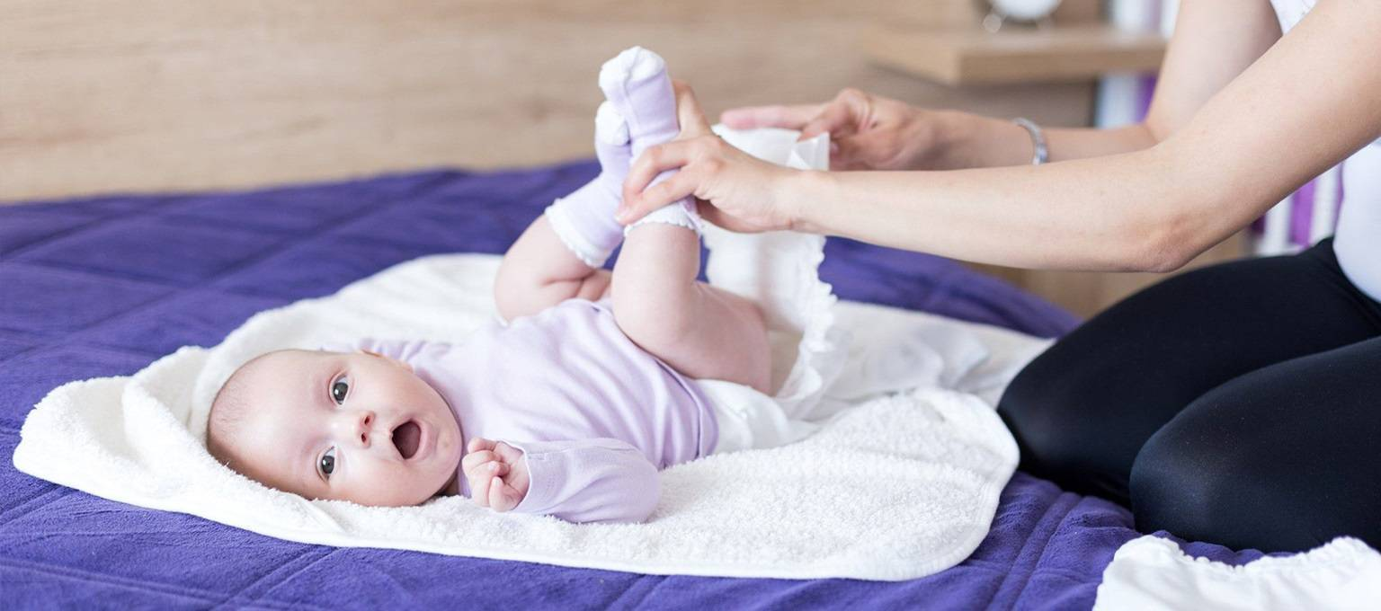 Если у ребенка болит живот и температура — что делать?