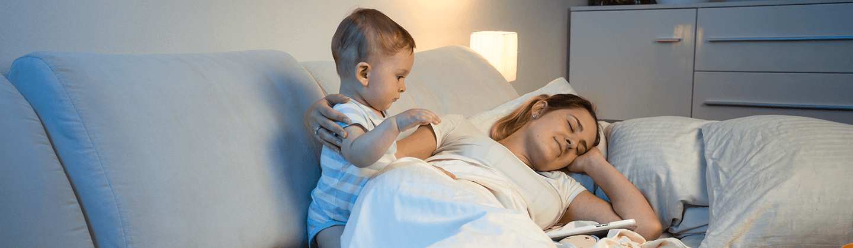 3 причины, почему младенцы плачут перед сном