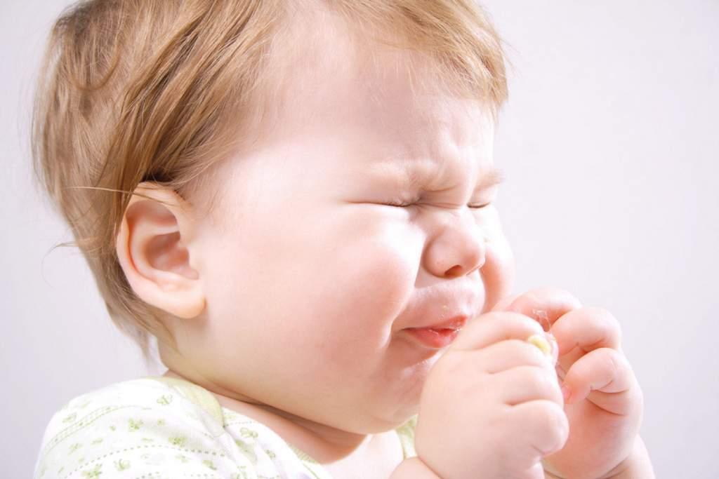 Ребенок шмыгает носом а соплей нет