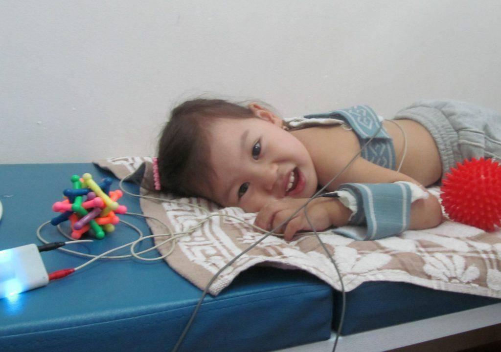 Электрофорез: что это такое и зачем проводят процедуру для грудничков и детей старшего возраста? - все о суставах