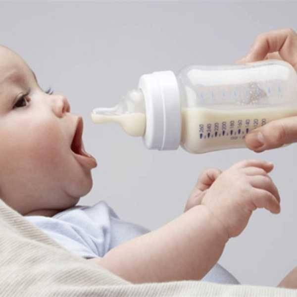 Срыгивания фонтаном у новорожденного грудничка | уроки для мам