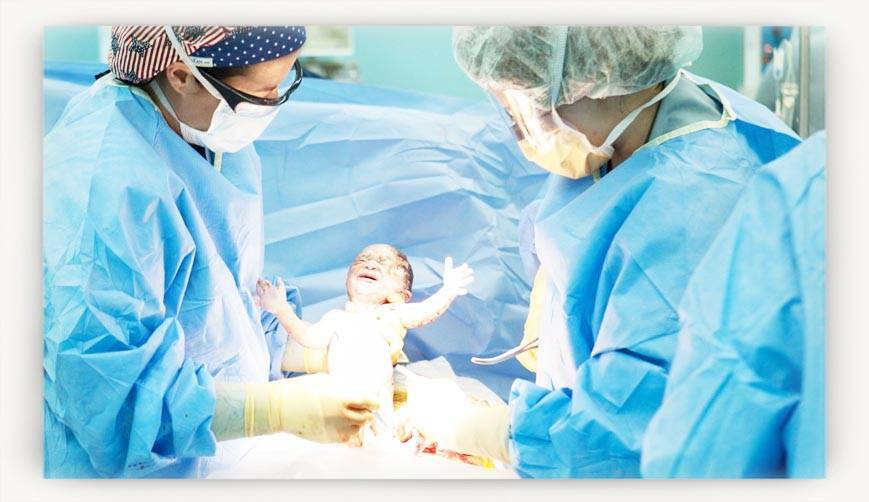 Только по показаниям. когда и как делают кесарево сечение? плановое и экстренное кесарево сечение