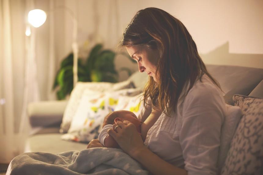 Как отучить ребенка от грудного вскармливания ночью - отказ от ночных кормлений