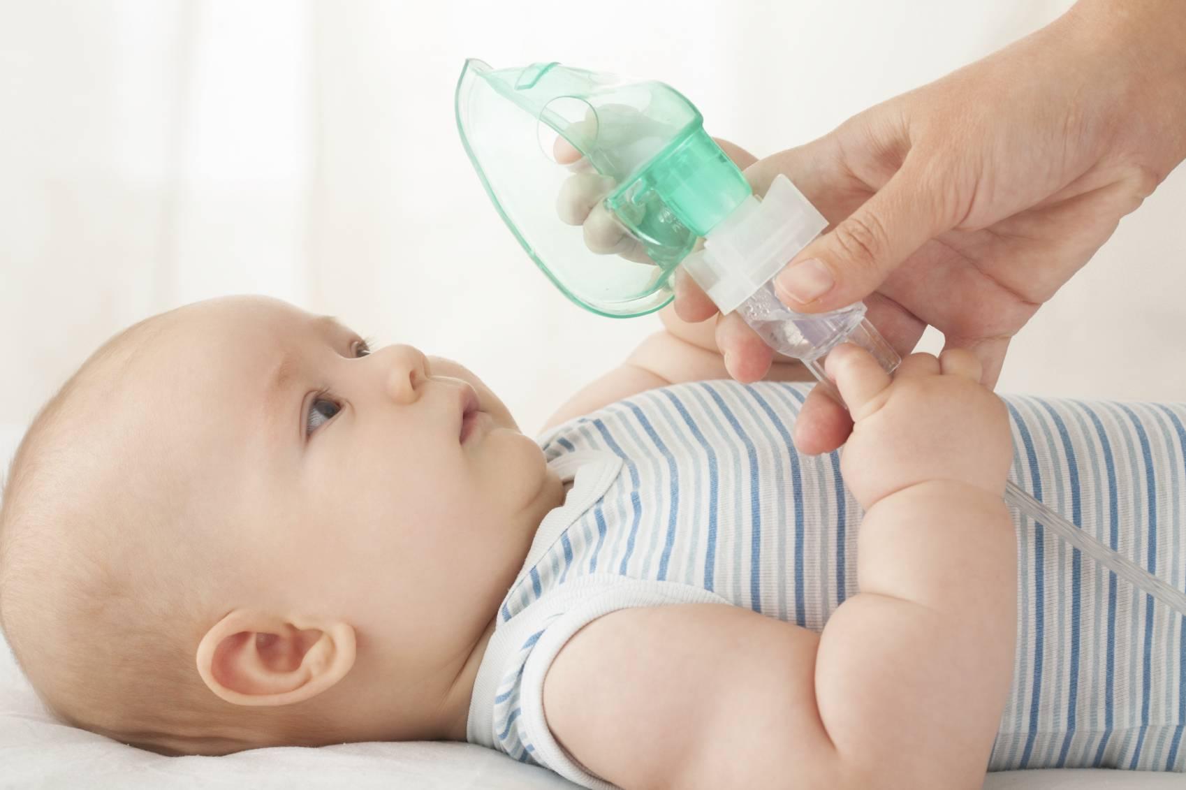 Чем лечить кашель у грудничка без температуры: причины и лекарственные средства