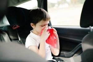Что делать если ребенка укачивает в машине и тошнит
