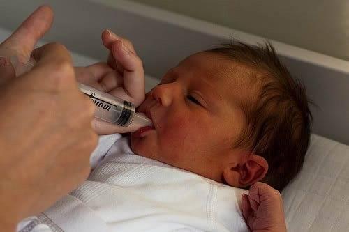 Как давать глюкозу новорожденному при желтухе
