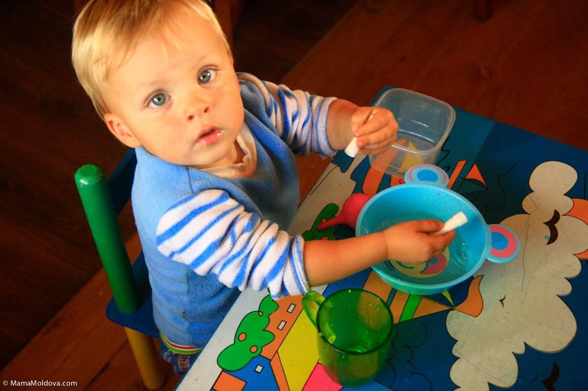 Чем занять ребенка в 3 месяца
