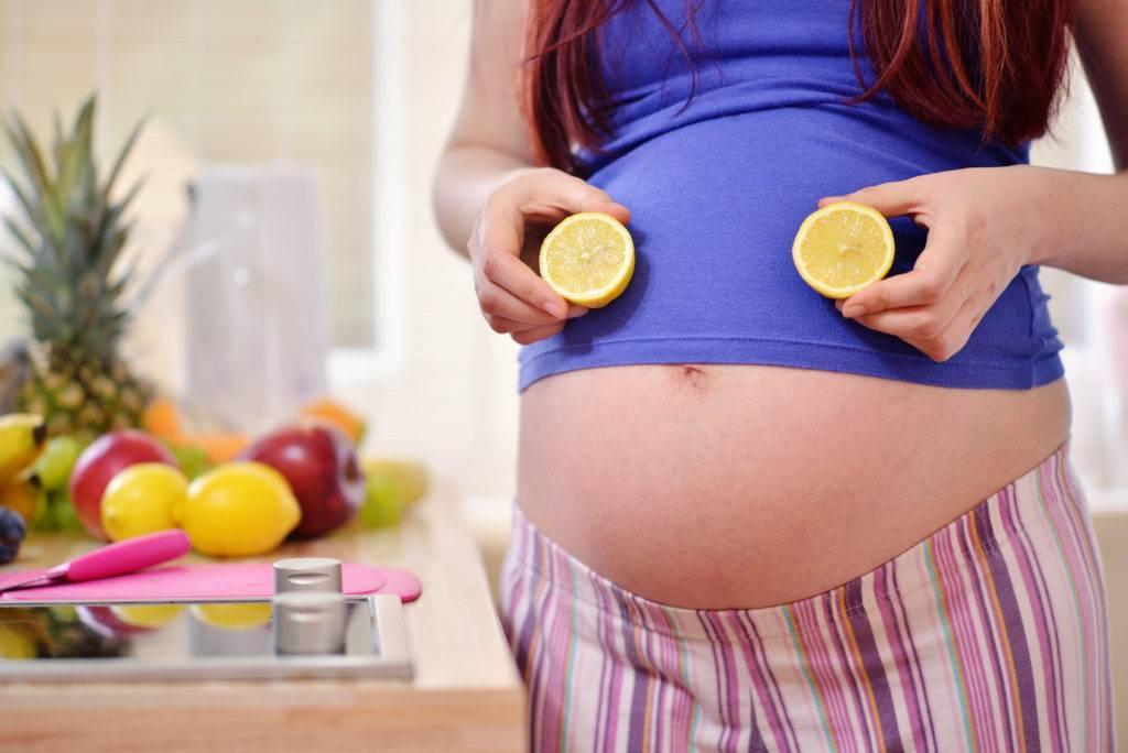 Мед во время беременности - польза или вред?  сколько мёда можно женщине в положении?