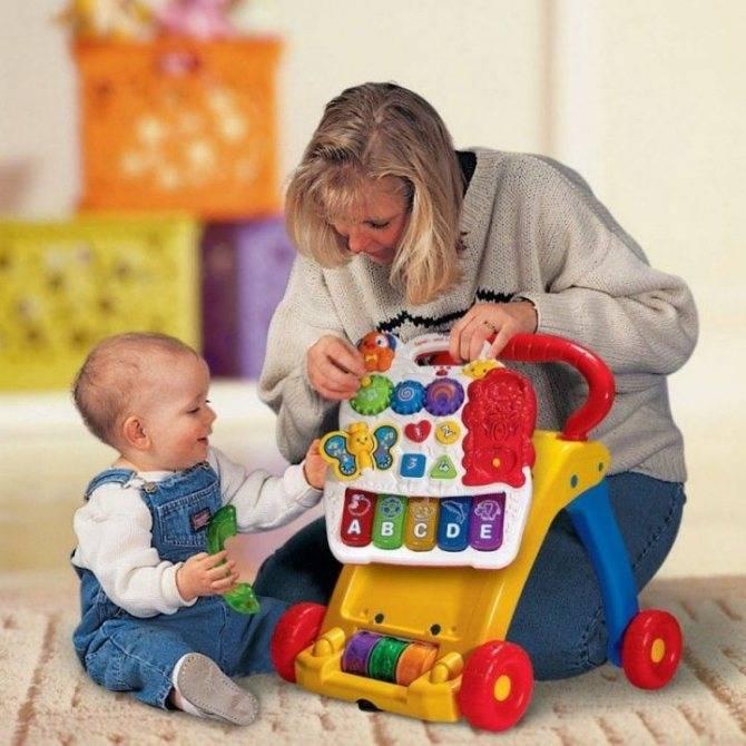 Игры с ребенком в возрасте 11 месяцев: занятия, игрушки, развитие