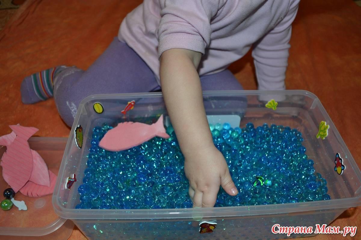 Игрушки для малышей до года своими руками | расти умным!