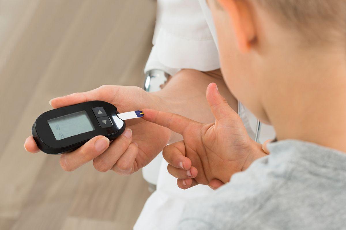 Сахарный диабет у детей: признаки и симптомы, причины, профилактика и лечение