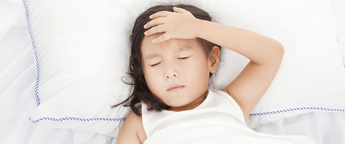 Почему по ночам ребенок скрипит зубами: основные причины скрежета зубов во сне у детей