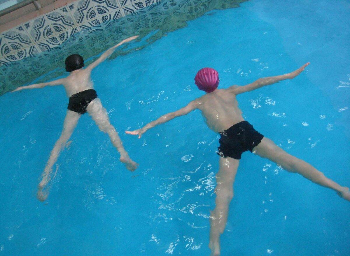 Тренировки по плаванию - программы для начинающих и среднего уровня, план на скорость